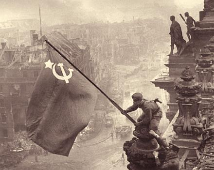 Fox News and some McCain voters fear that the US could turn to communism if Obama gets elected