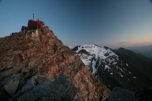 Das Observatorium am Hohen Sonnblick auf 3106m. Seit 123 Jahren wird hier das Wetter beobachtet